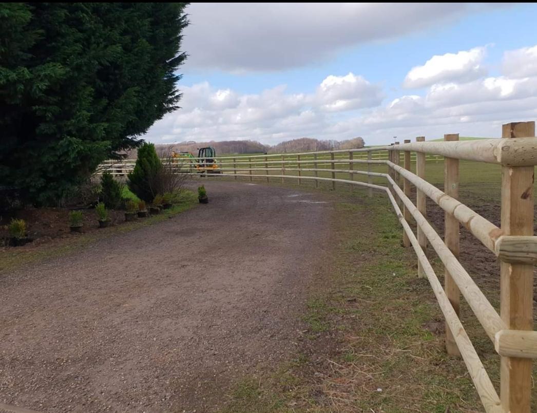 equestrian fencing in Kent